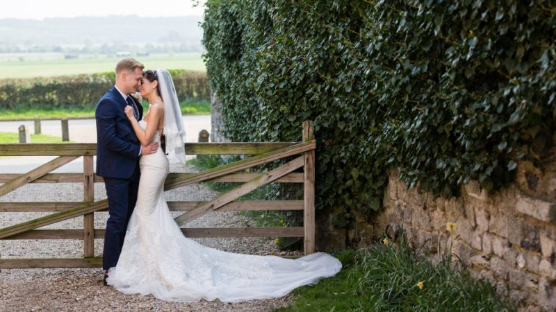 Getting Married at Cooling Castle Barn Rochester Kent Wedding Venue   By Graham Baker Photography