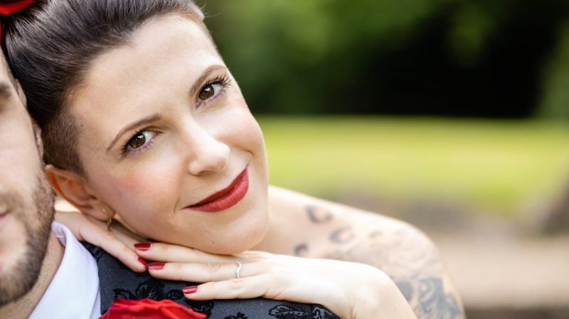 Alternative wedding Portraits | Tattooed Bride | Black & Red Wedding Style
