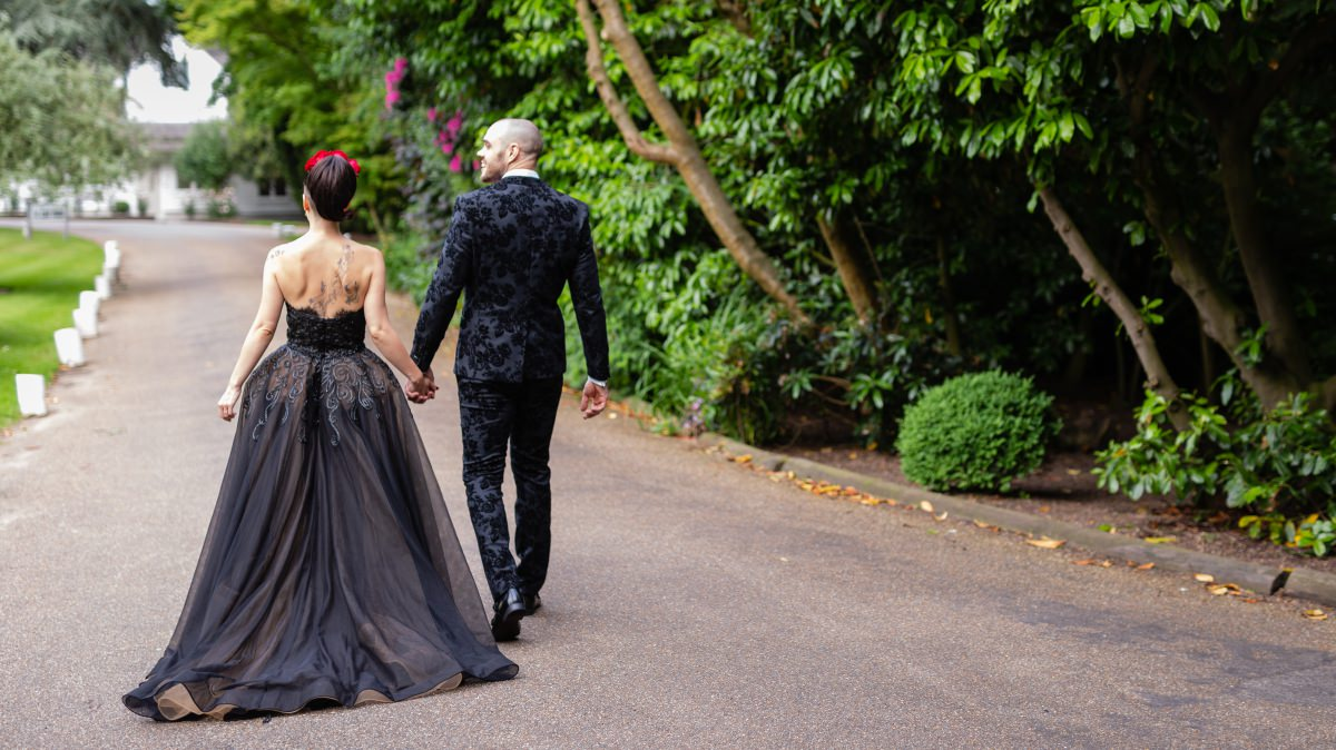 Alternative wedding Couple | Tattooed Bride | Black & Red Wedding Style